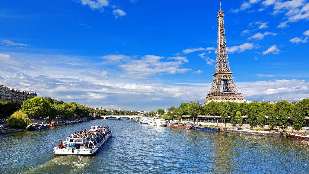 Kết quả hình ảnh cho du thuyền trên Sông Seine